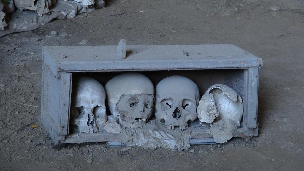nepales-cemetiri-heads