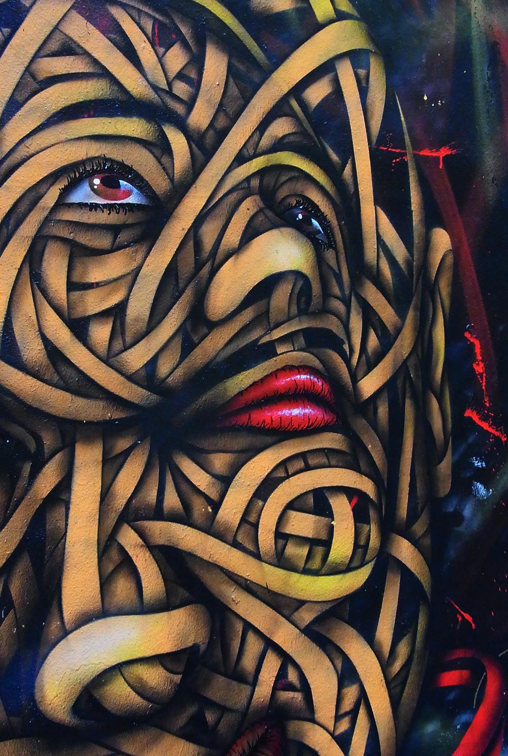 Street Art Berlin - unravelling